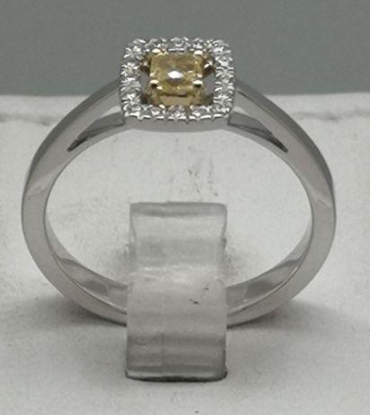 bague or diamant jaune